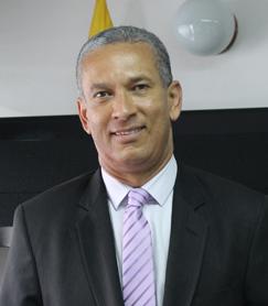 Foto Oscar Eduardo Fuentes Peña Director Junta Central de Contadores