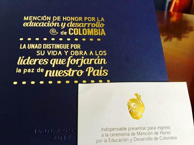 invitación mención de honor