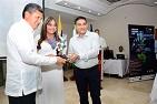 Vicerrector de Desarrollo Regional de la UNAD recibe reconocimiento de artesanos